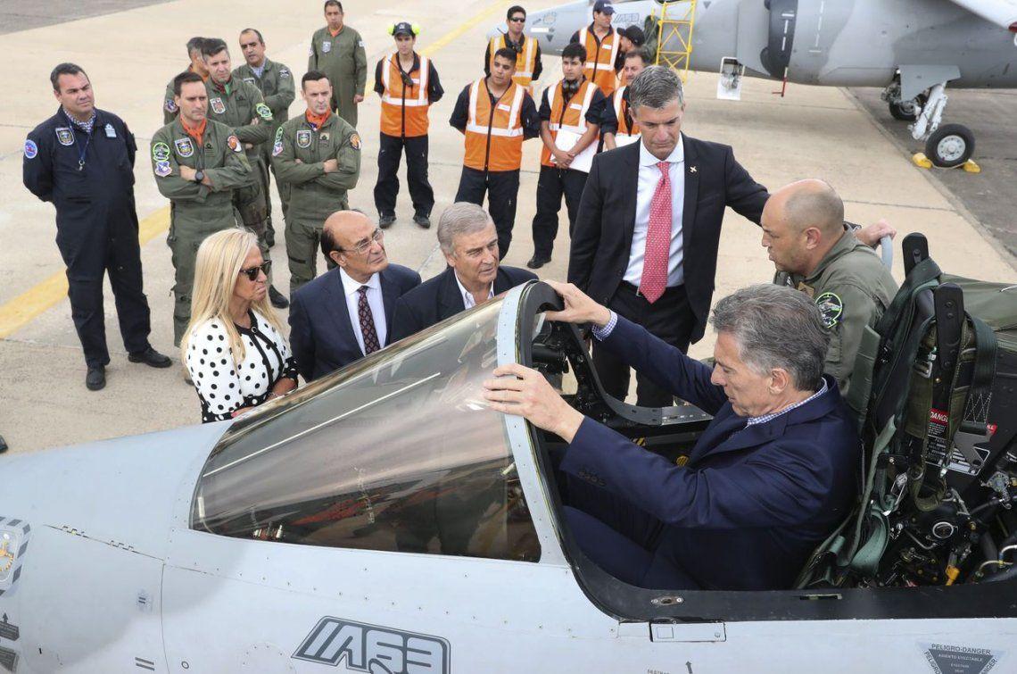 Presentaron los Pampa III, los nuevos aviones para combatir el narcotráfico