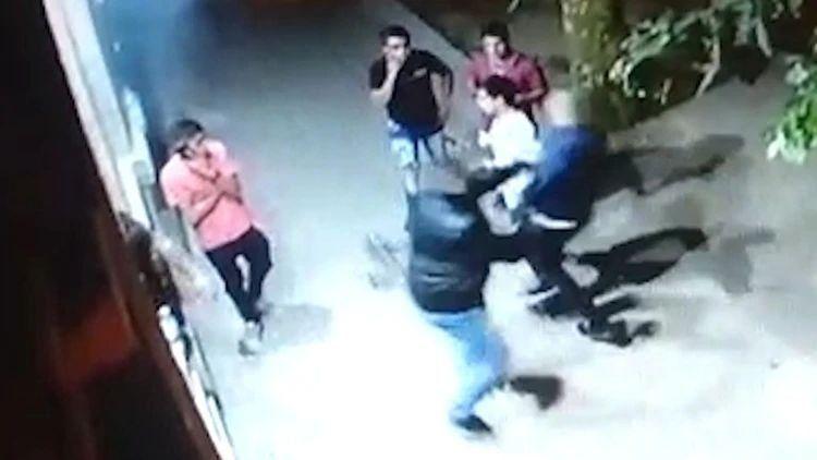 Patovicas golpearon brutalmente a un joven por ser homosexual