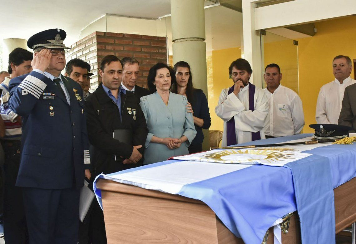 Con honores, despidieron los restos de un soldado argentino repatriado desde Malvinas