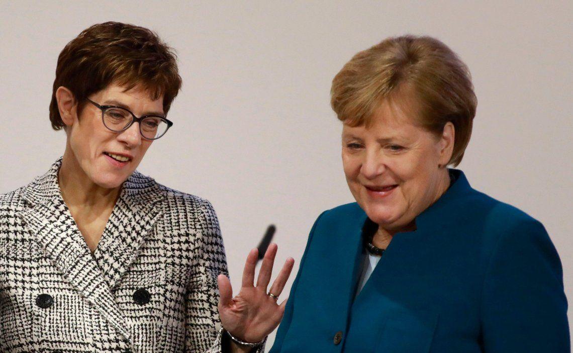 Angela Merkel deja el poder de su partido en manos de su fiel seguidora Annegret Kramp-Karrenbauer