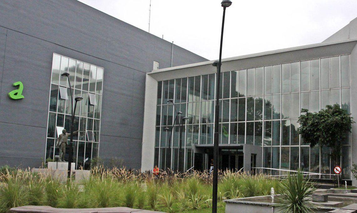 Allanaron la Municipalidad de Avellaneda por un presunto desvío de $300 millones