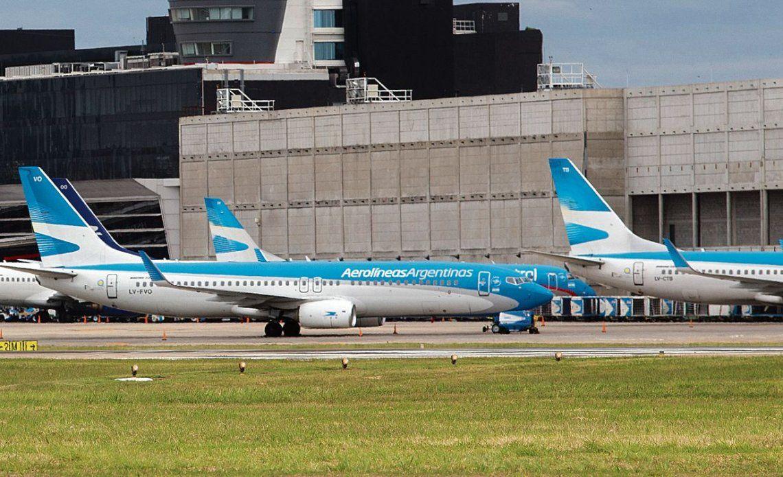 El encuentro con los sindicatos que agrupan a los trabajadores de Aerolíneas se concretó en Aeroparque.