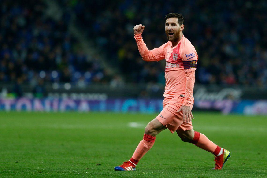 Lionel Messi metió dos golazos de tiro libre en la victoria del Barcelona ante el Espanyol