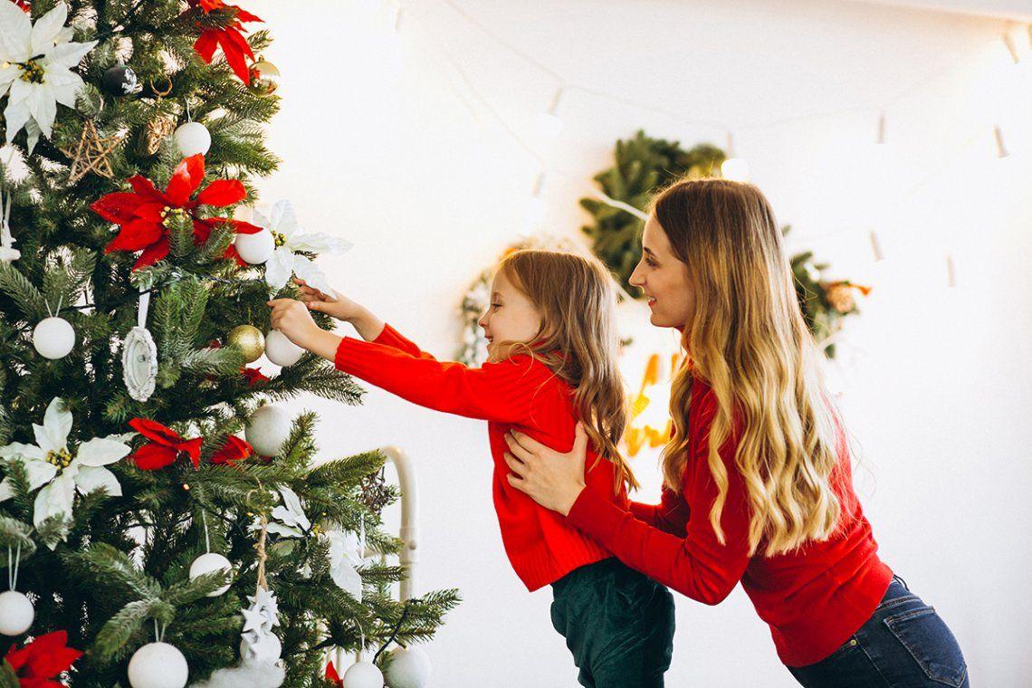 Navidad con inflación: armar el arbolito, el pesebre y la decoración cuesta casi $9000
