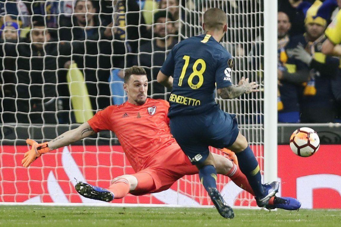 El gol de Benedetto a River en la final: una revancha frente a Armani con gusto a poco
