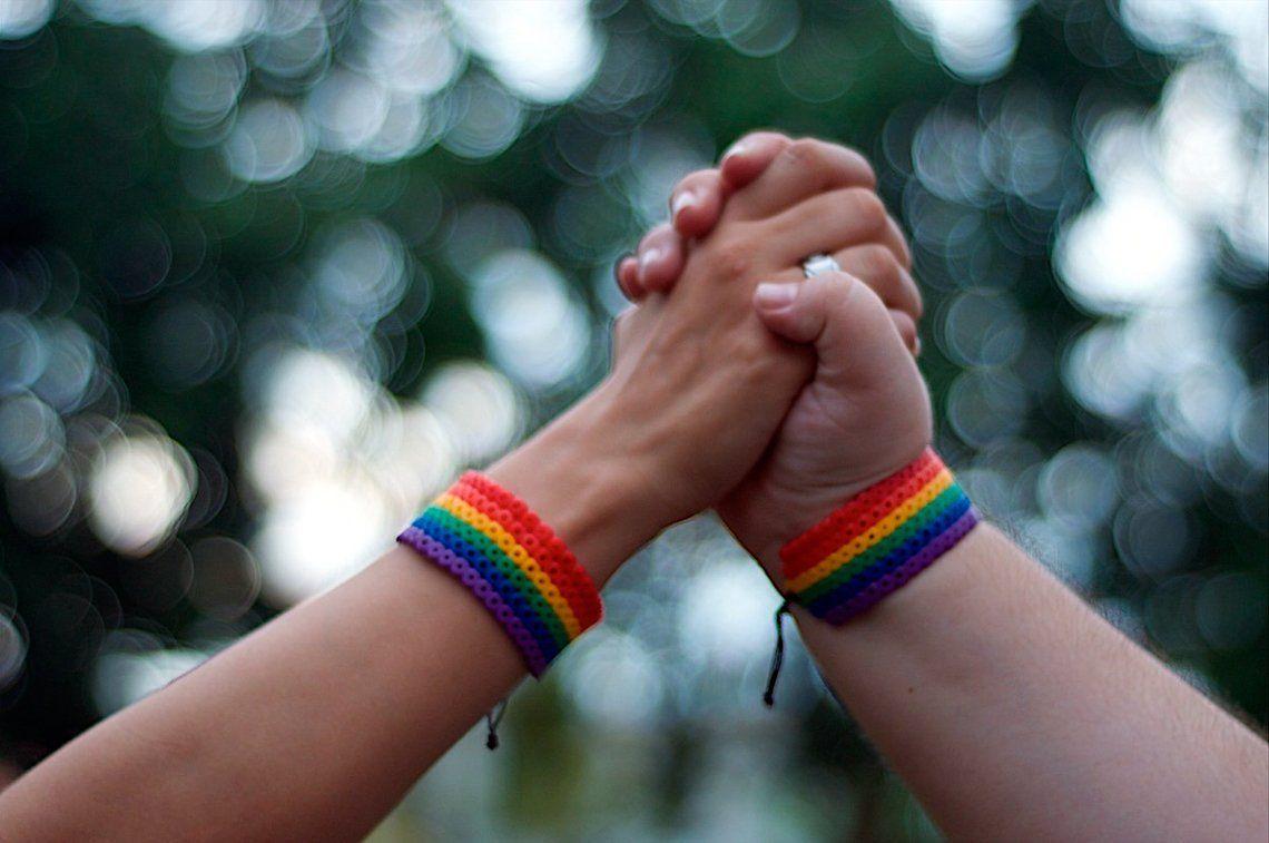 La Federación Argentina LGBT+ criticó el respaldo del Papa a la unión civil de parejas gay