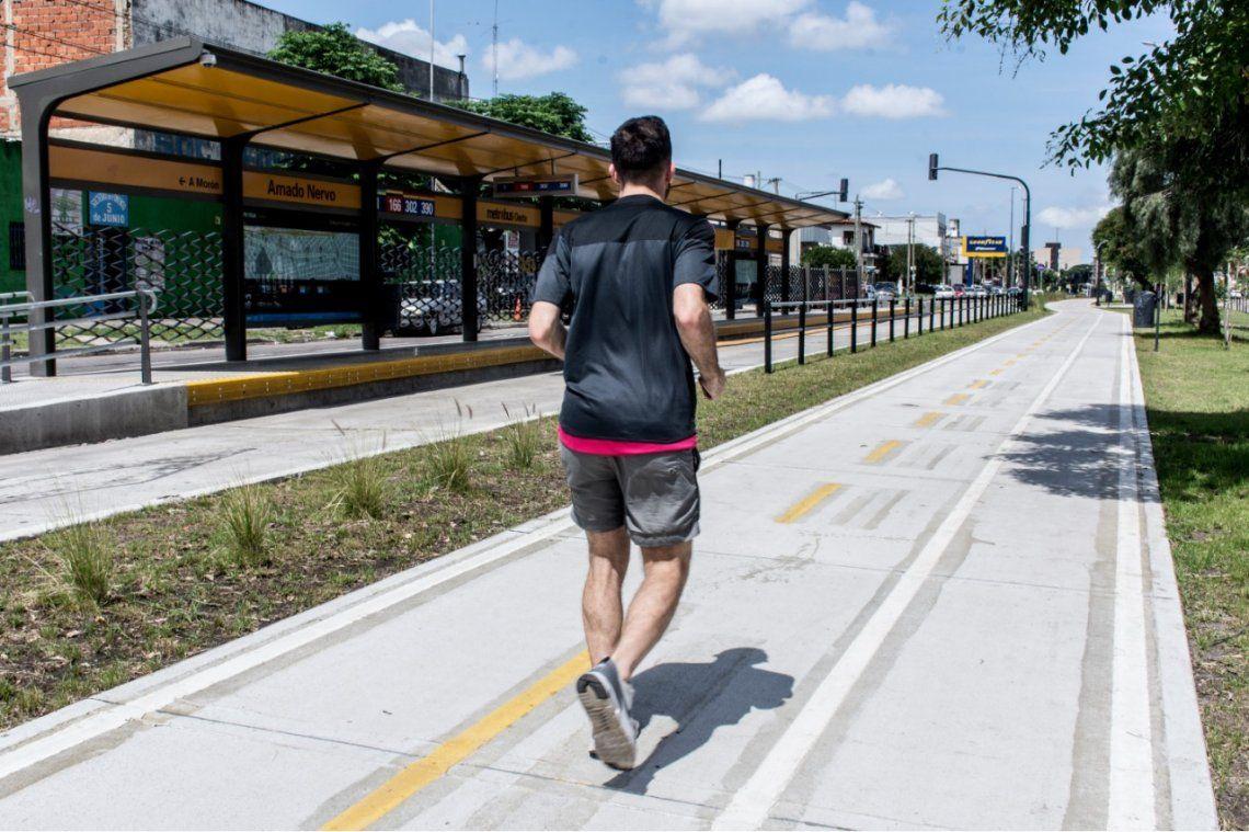 Morón: realizan una carrera nocturna a lo largo del Metrobus