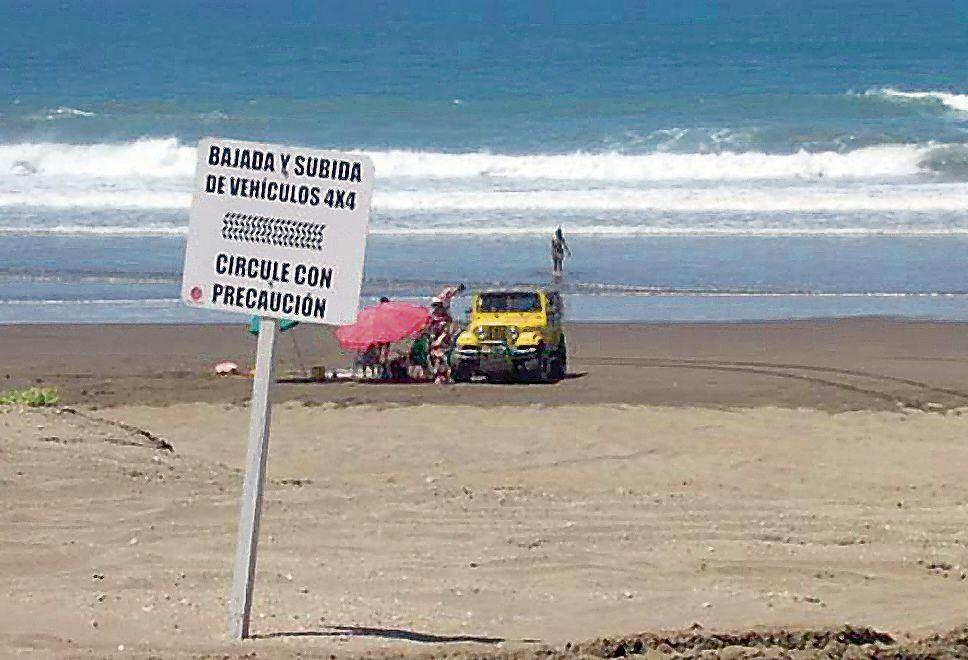 dProponen que ningún vehículo pueda circular por las playas de la costa atlántica bonaerense.