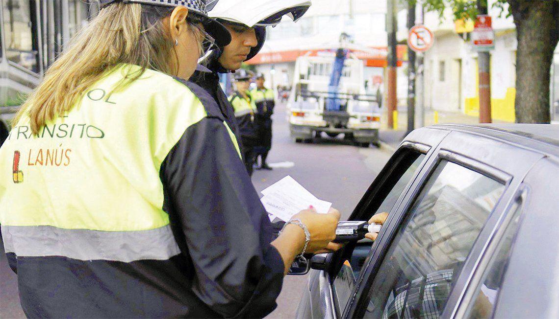 Lanús: se aprobó restablecer el estacionamiento medido