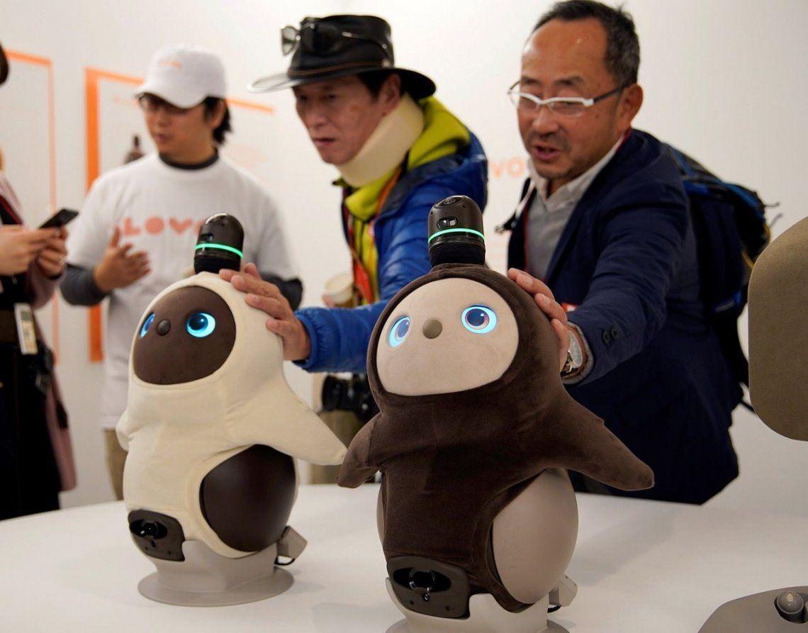 Presentan robot que brinda afecto