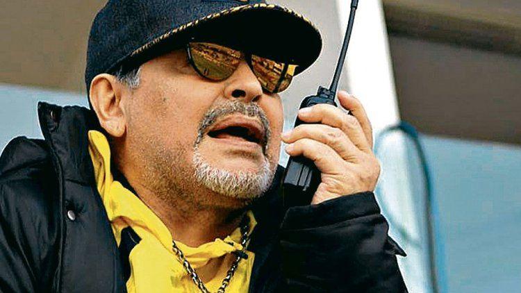 Diego Maradona genera interrogantes sobre su futuro como entrenador de los Dorados de Sinaloa.