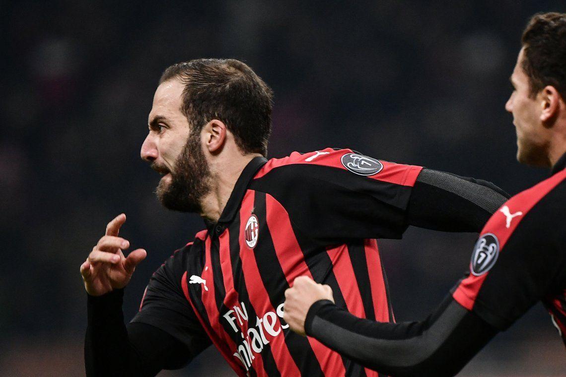El Pipita Higuaín se sacó la mufa y le dio el triunfo al Milan