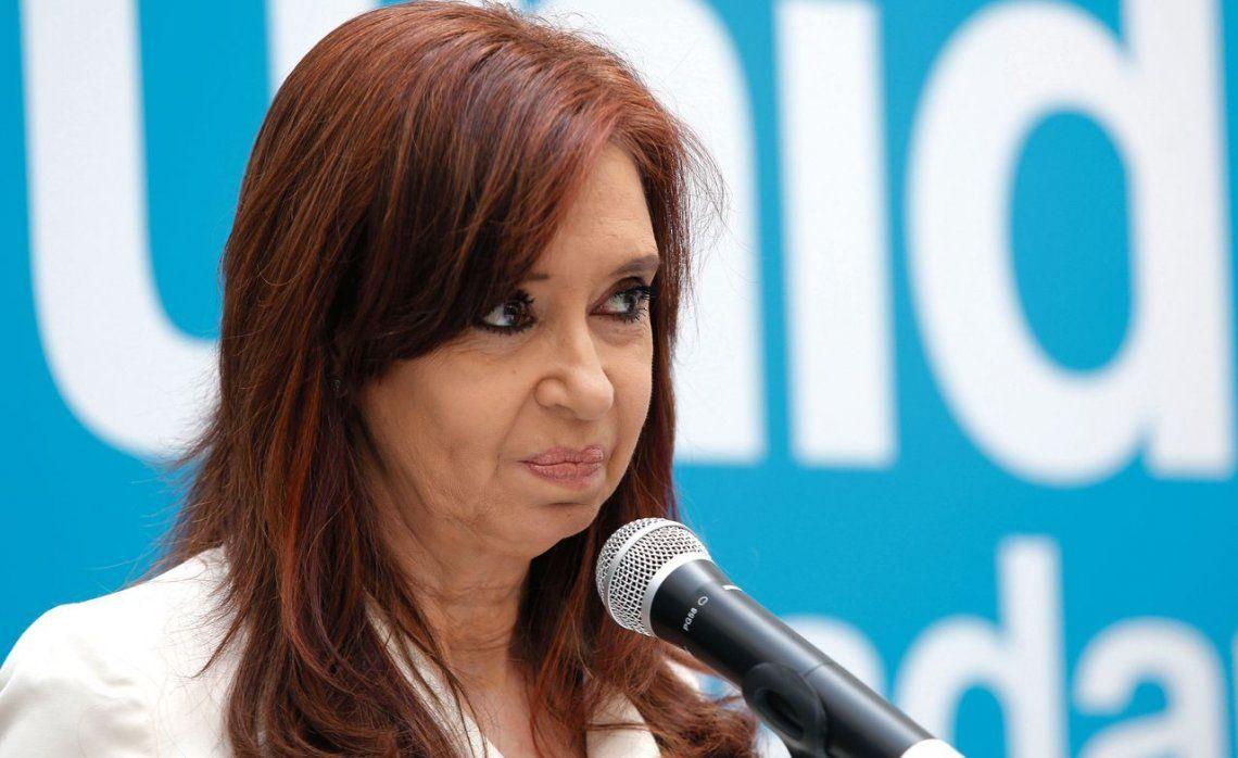 En el peronismo enarbolan la eventual doble candidatura de CFK para contrarrestar una jugada de Cambiemos.