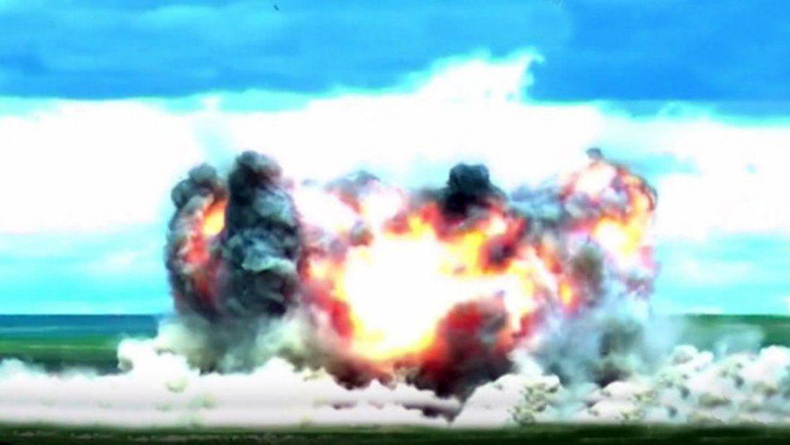 China hace alarde de su poderío militar con La madre de todas las bombas