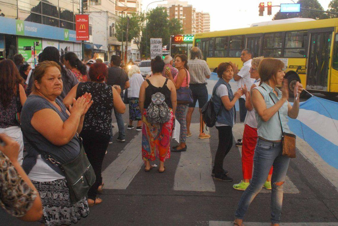 Hubo un ruidazo contra el aumento de tarifas en varios puntos la Buenos Aires y el conurbano
