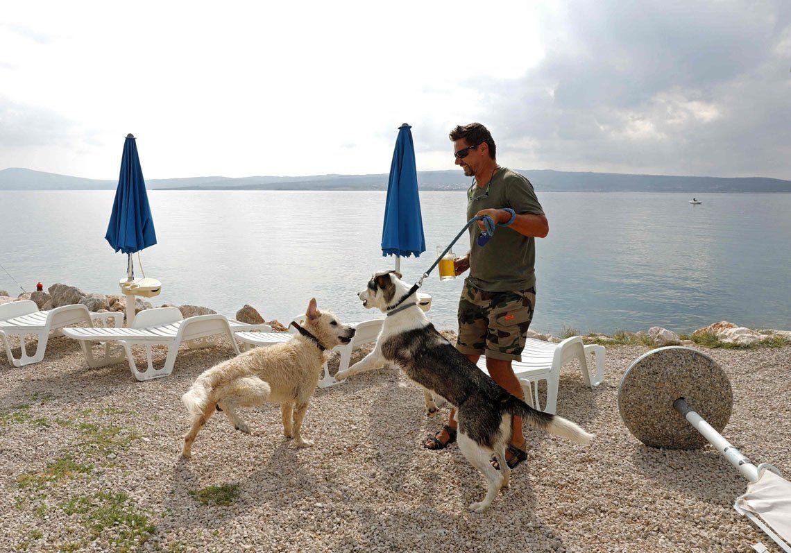Los perros tienen su playa en Croacia