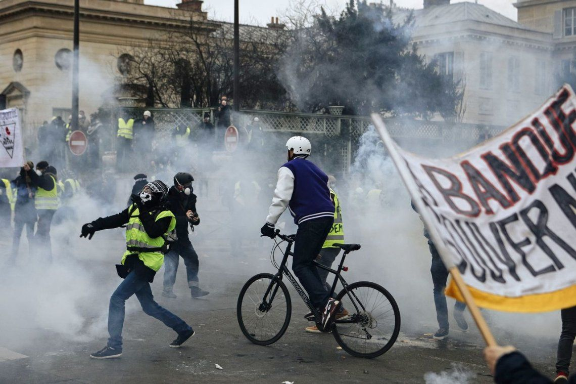 Crisis en Francia: octava protesta de los Chalecos amarillos con incidentes en París