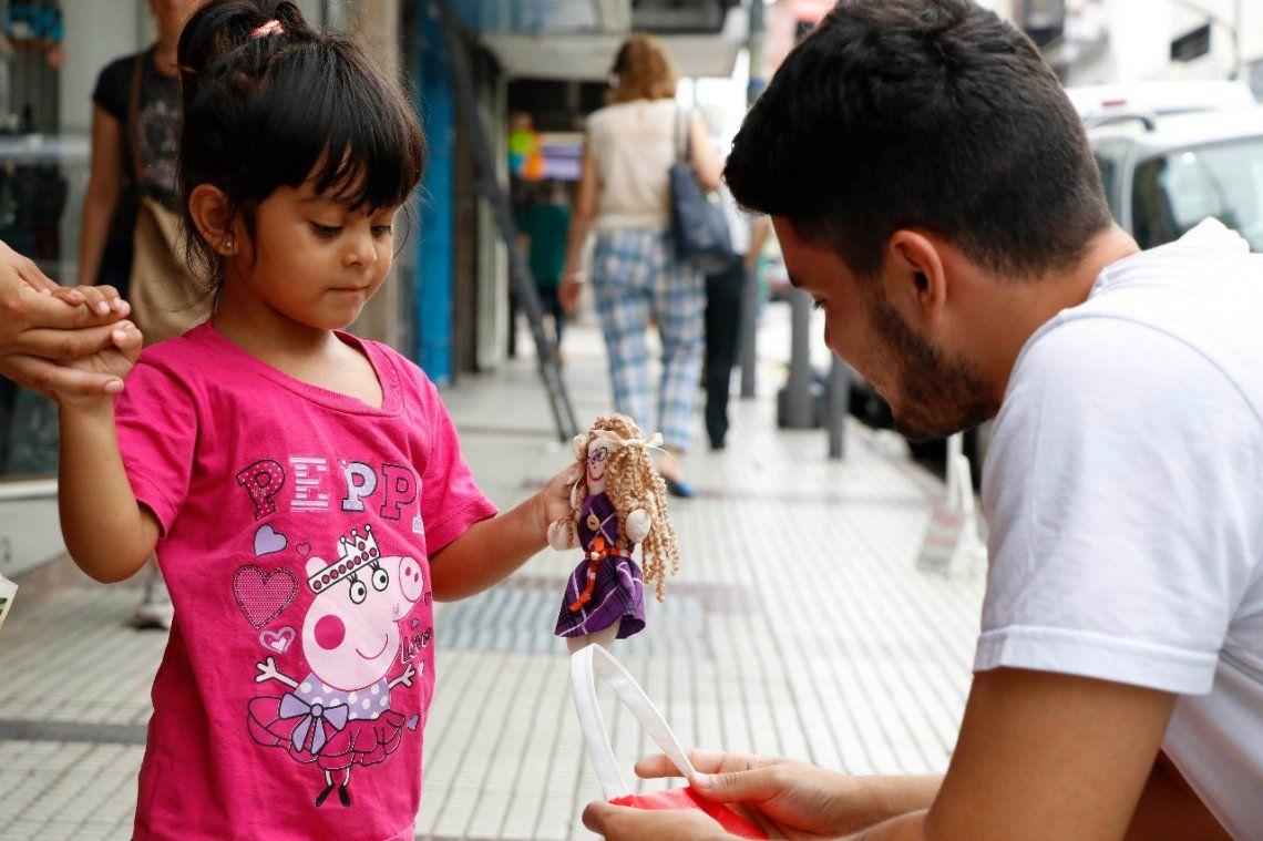 Entregan juguetes inclusivos en Morón