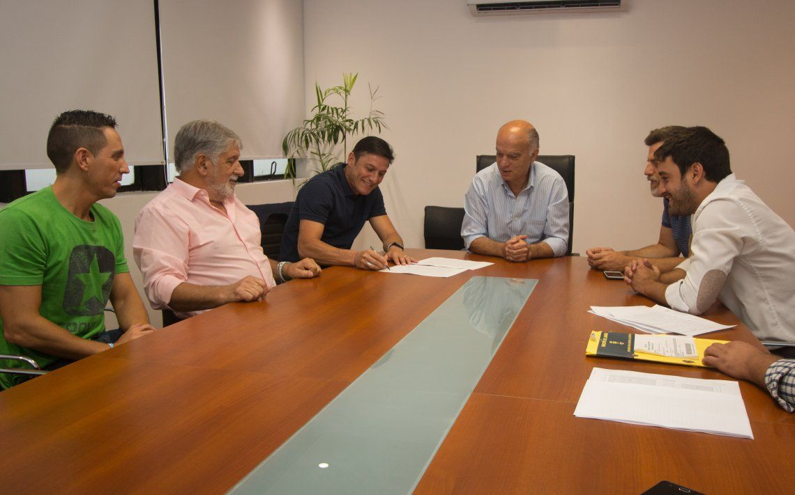 Zanetti y Grindetti se comprometieron a crear un polideportivo