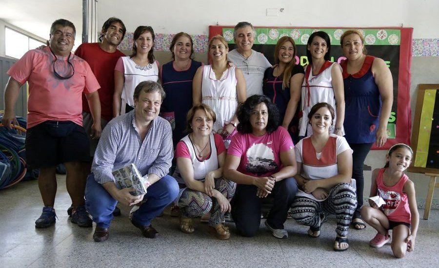 Escuelas de Verano reciben materiales deportivos y didácticos