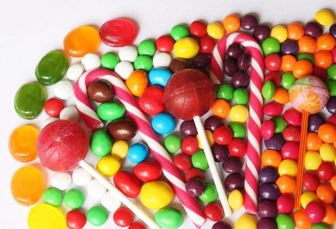 La ANMAT prohibió la venta de una marca de golosinas, productos médicos y cosméticos