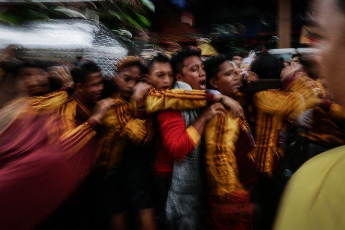 Multitudinaria devoción al Nazareno Negro en Filipinas