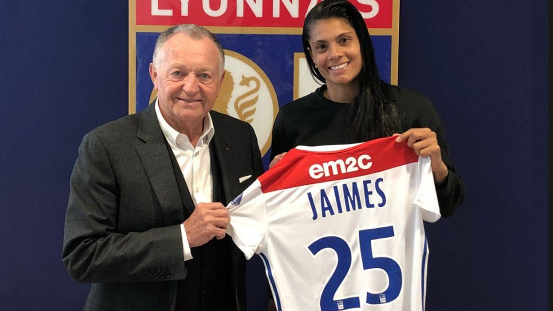 Soledad Jaimes, la goleadora que pasó de jugar descalza a estar en el mejor club de Europa