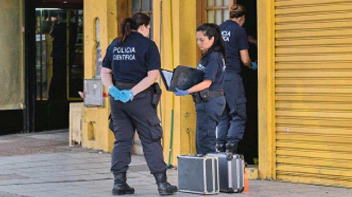 Buscan a un cuarto ex policía por el asalto a la financiera de Vicente López