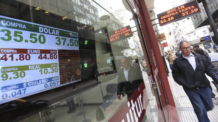 El dólar subió 13 centavos: cerró en $38,69