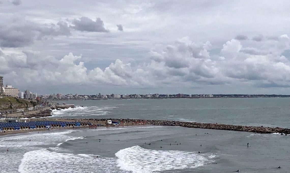Mar del Plata: el mal tiempo no le da respiro a los turistas