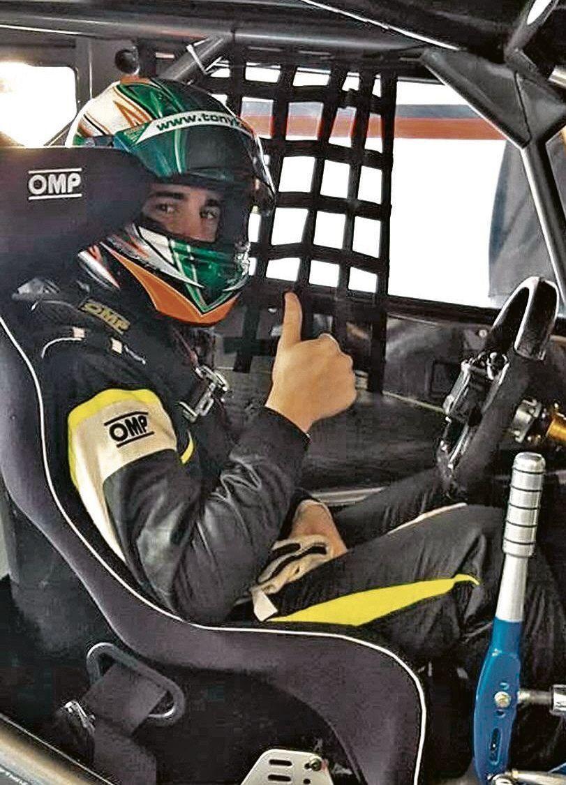 dCassiano confía en el trabajo que está realizando Sarlinga en su auto.