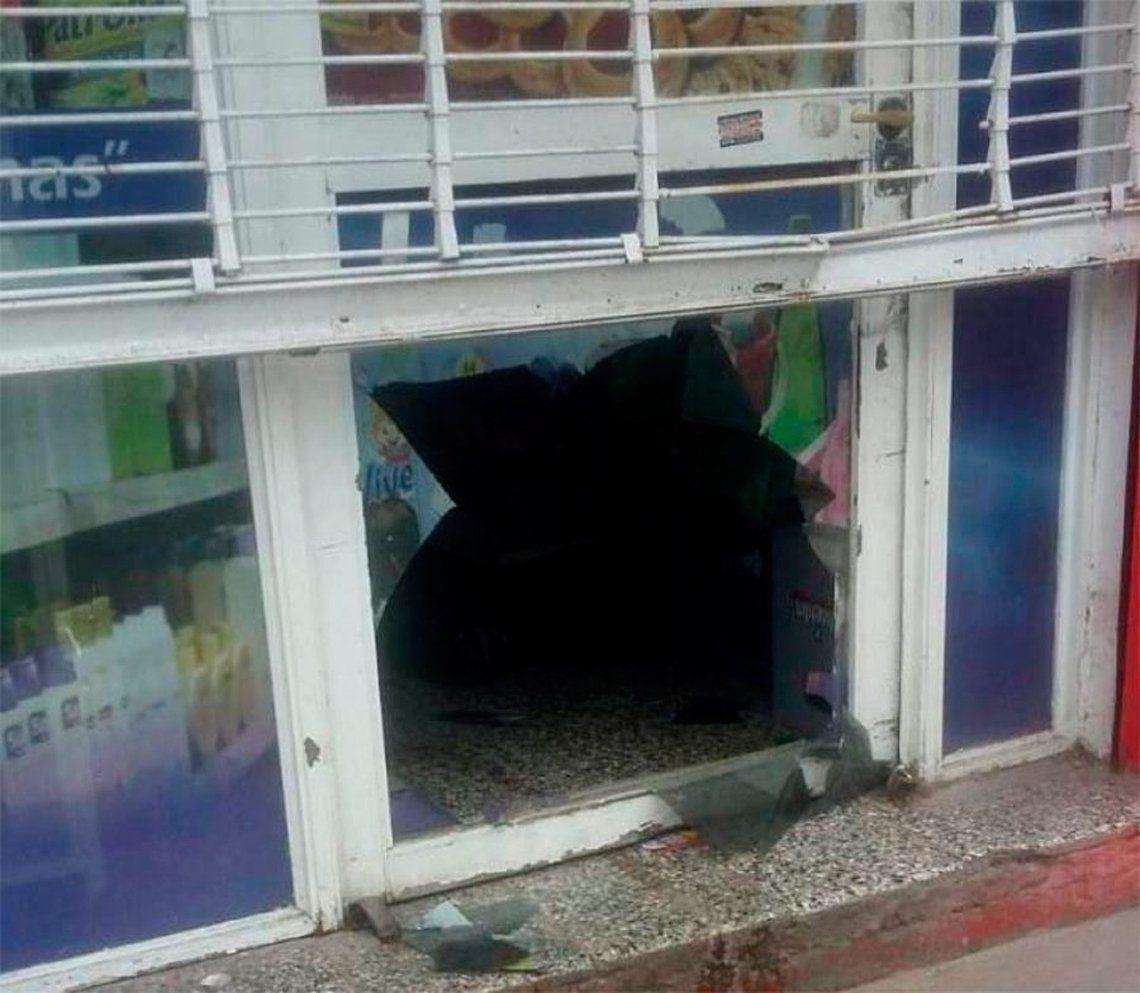 Berazategui: festejaban un atraco con vino robado y les cortaron el brindis
