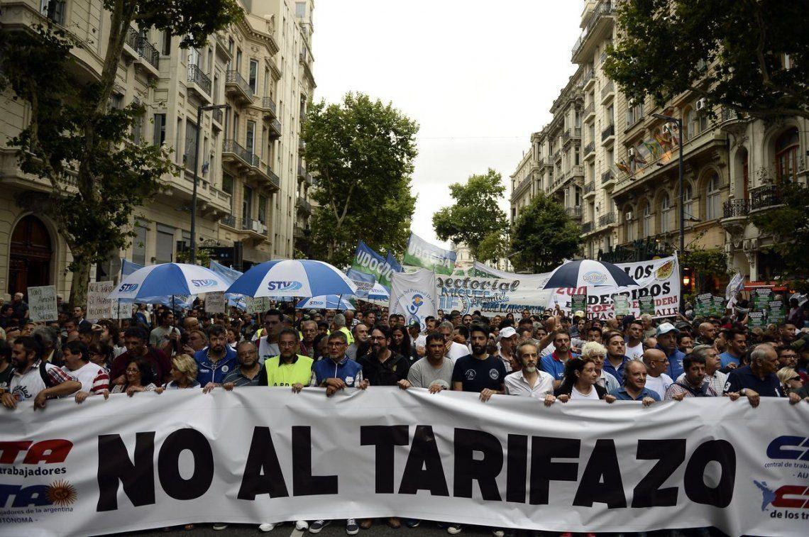La marcha de las antorchas contra el tarifazo, en fotos