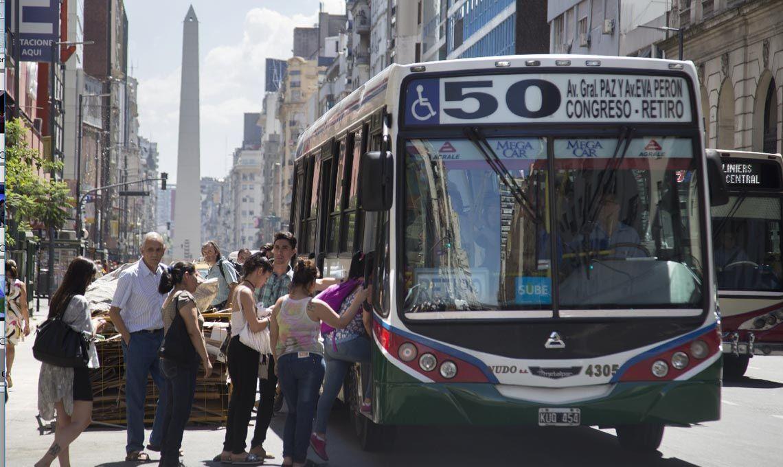 Aumento de colectivos: el boleto mínimo aumentó a $15 en el área metropolitana