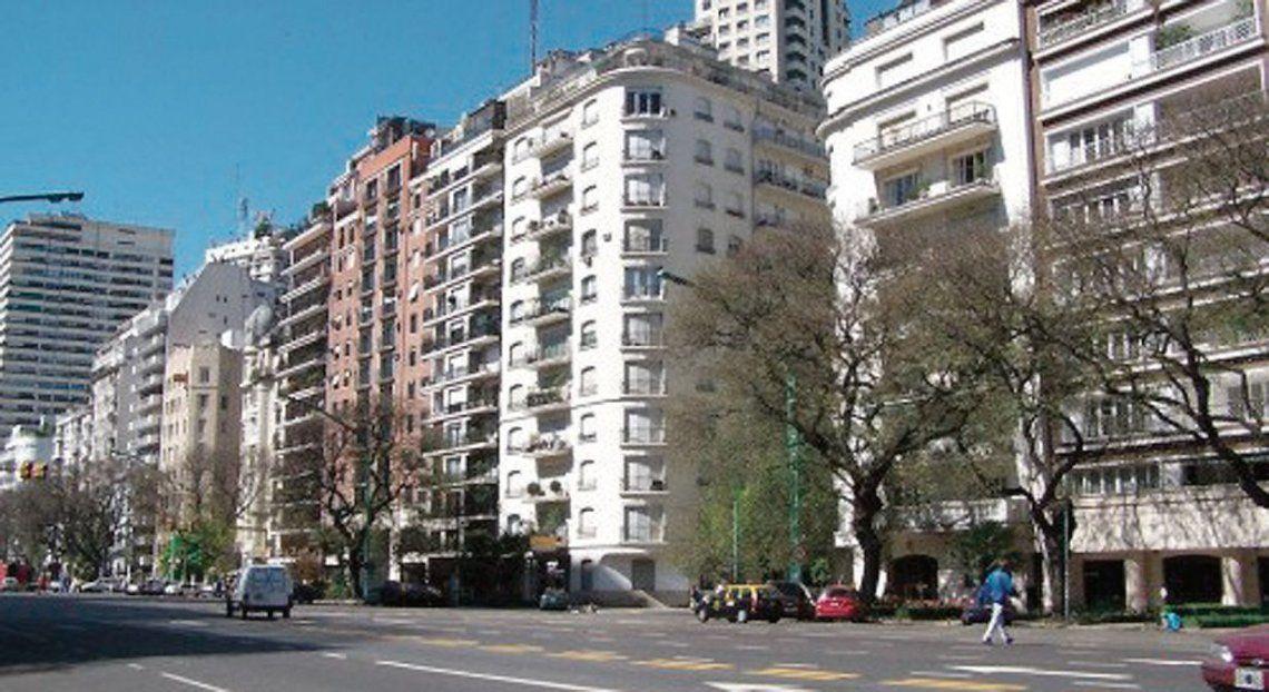 """dCerca del 70% del salario promedio en la Ciudad de Buenos Aires se lo lleva el rubro """"vivienda""""."""