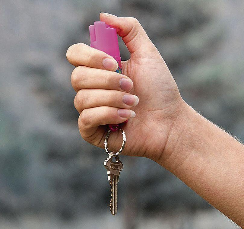 Más mujeres eligen gas pimienta para defensa personal