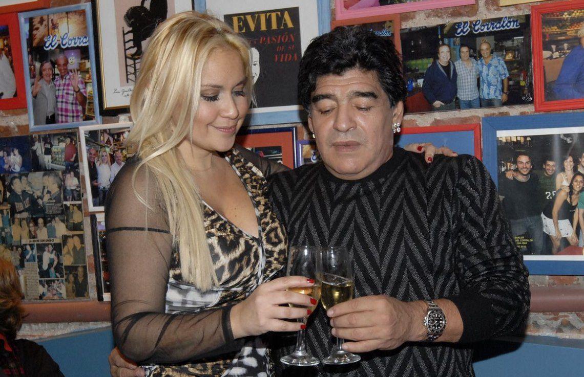 Se reavivó el amor  Maradona volvió con Verónica Ojeda