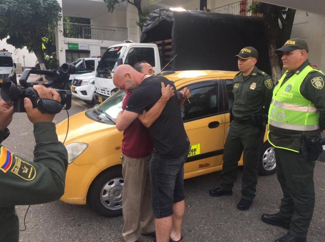 Emotivo: DT argentino olvidó 2.600 dólares y un taxista se los devolvió