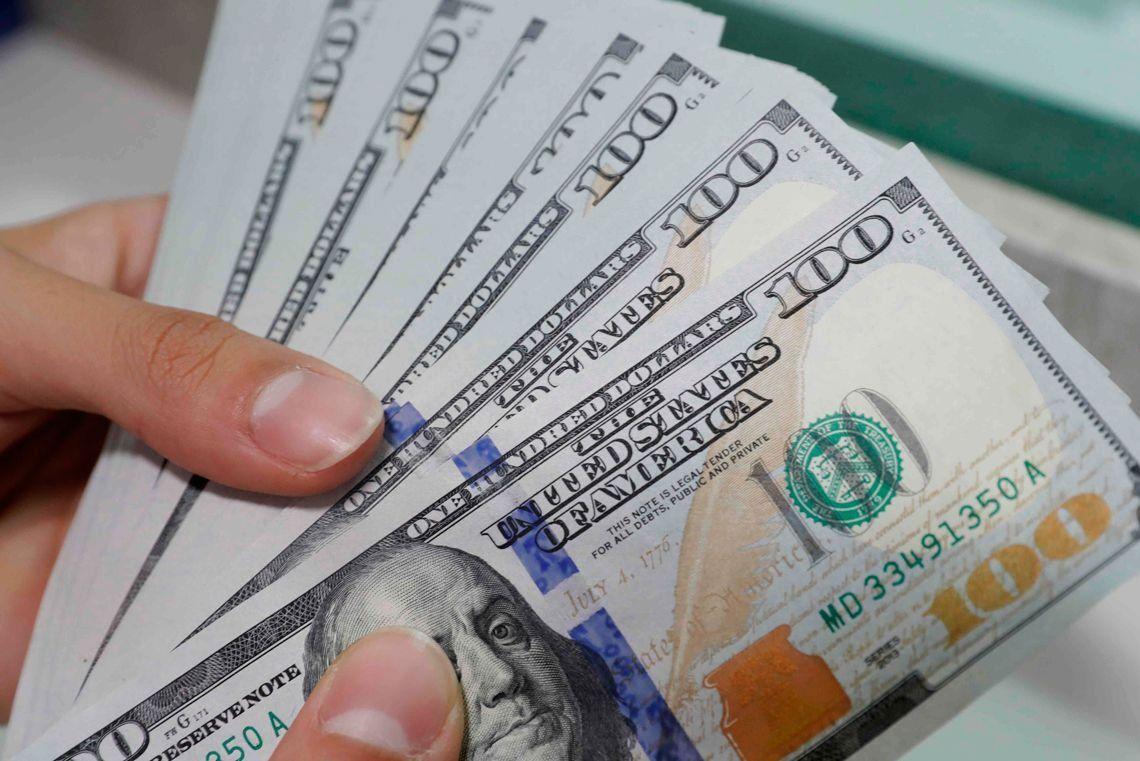 Tras la suba de las tasas, el dólar cerró en baja