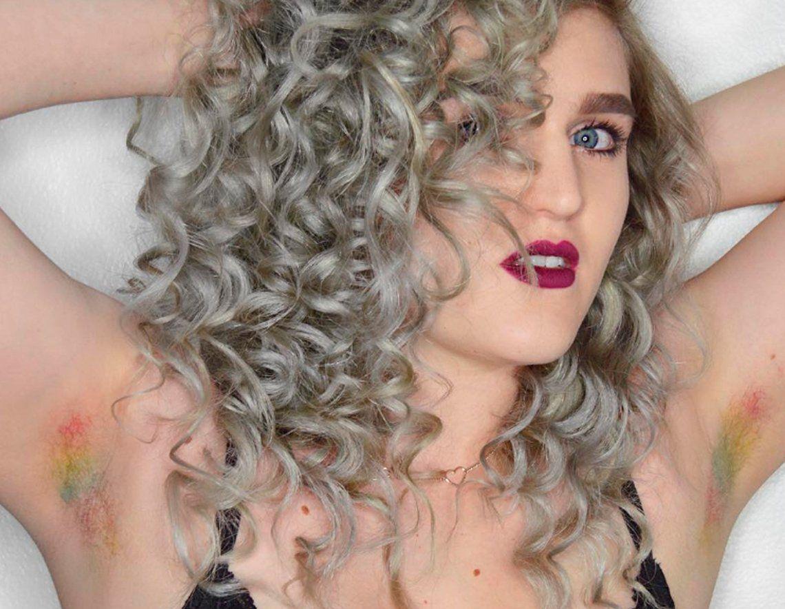 Unicorn Armpit Hair: teñirse los pelos de las axilas, la nueva tendencia
