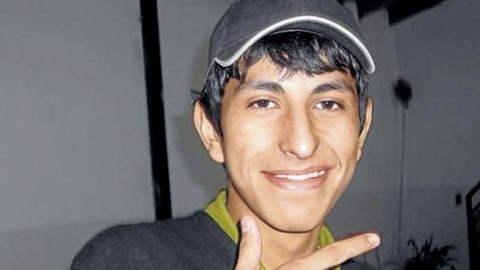 dLuciano tenía 16 años cuando fue visto por última vez al ser detenido.