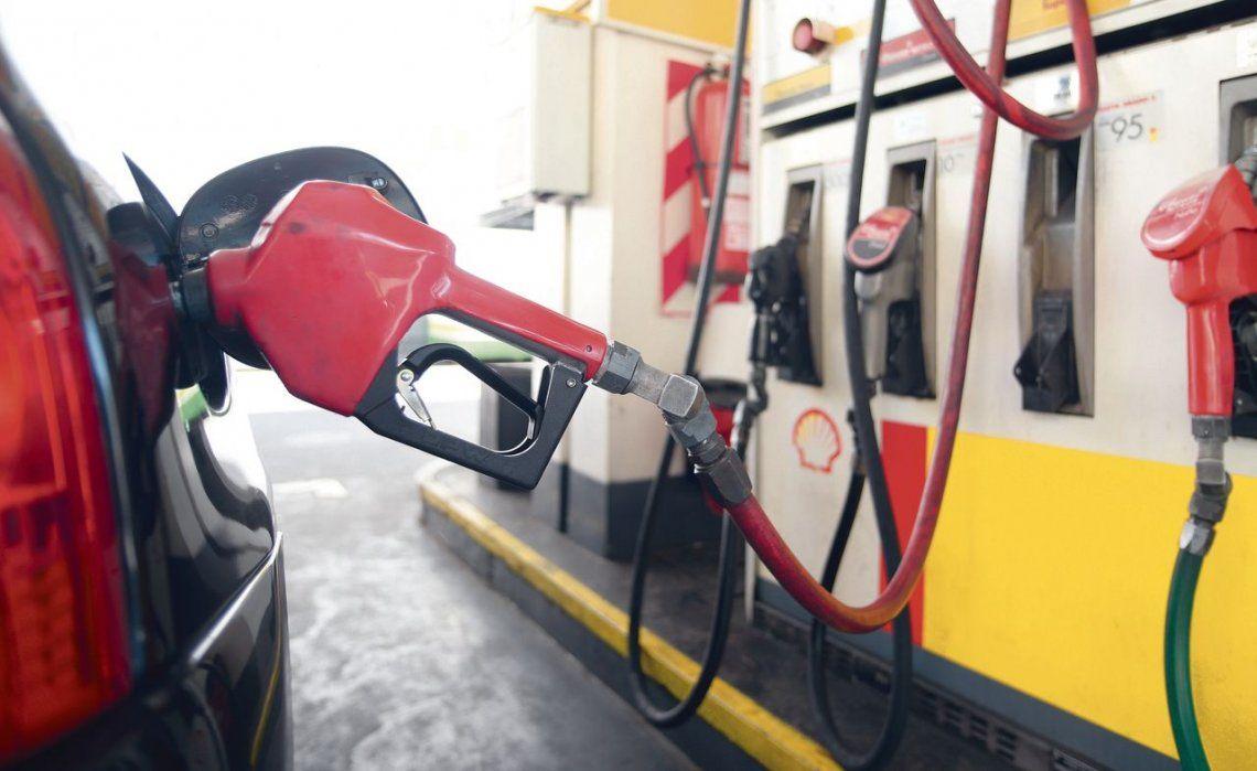 d Se destacó una caída en la demanda general de combustibles durante el año pasado.