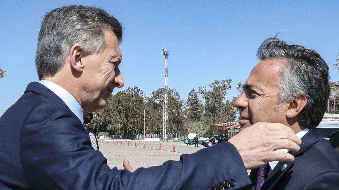 Mendoza confirmó que desdoblará las elecciones