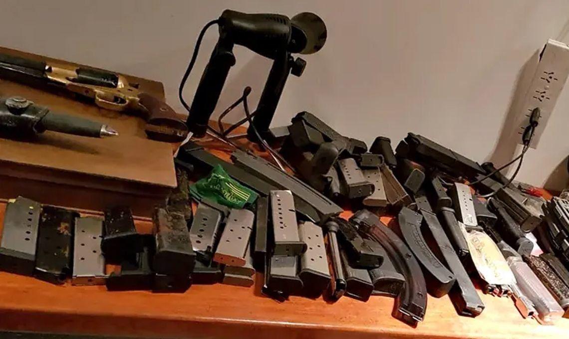 Hallaron 137 armas en la casa de Mauricio Yebra