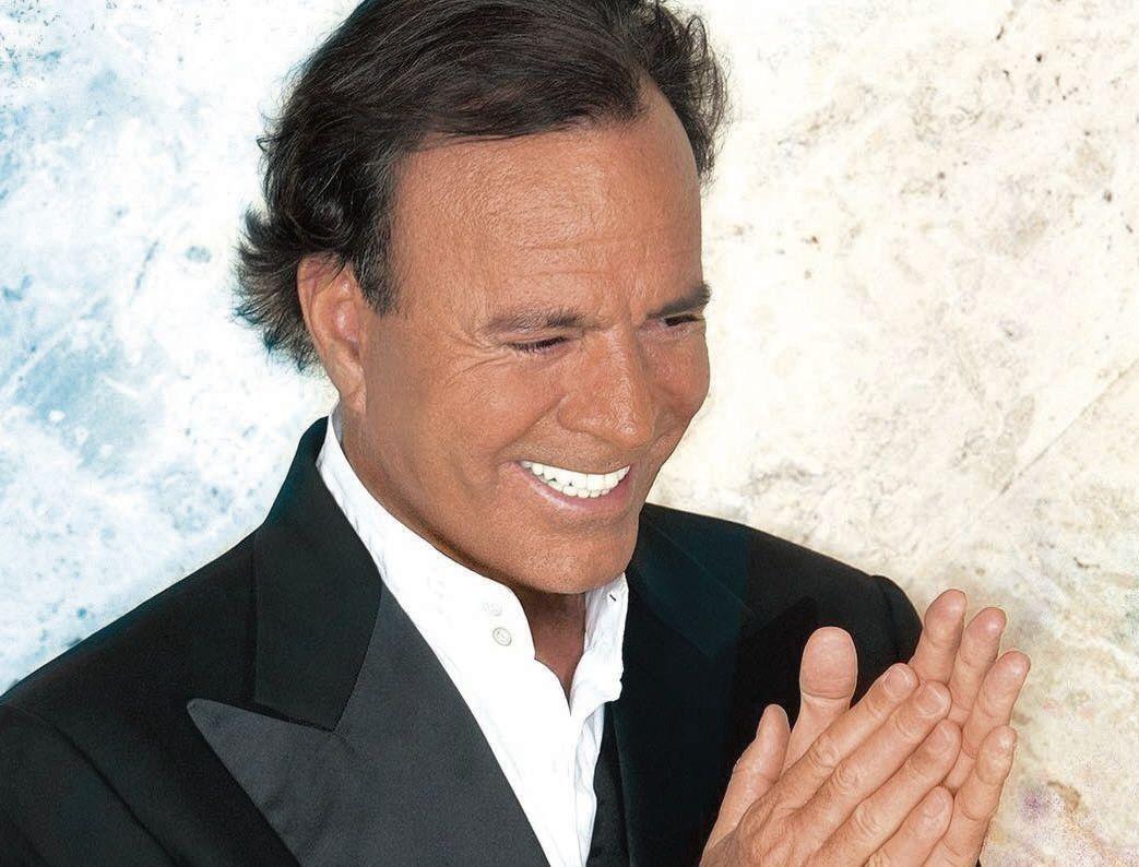 dEl cantante gallego cumple más de 50 años dedicado a la música.