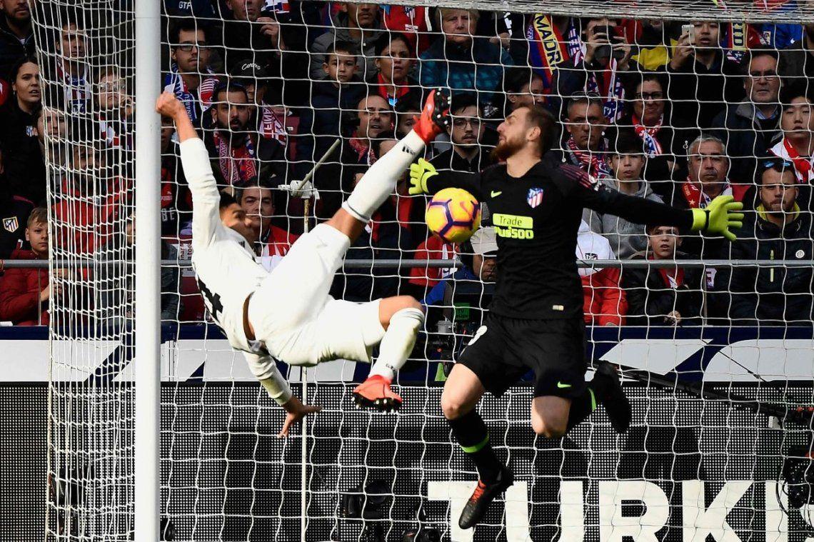 Real Madrid-Atlético Madrid: el golazo de tijera de Casemiro para abrir el marcador