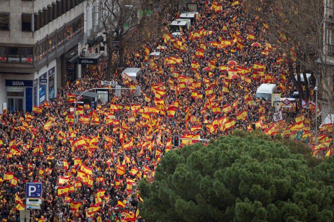 Madrid: miles de personas se manifestaron contra el gobierno español en Cataluña