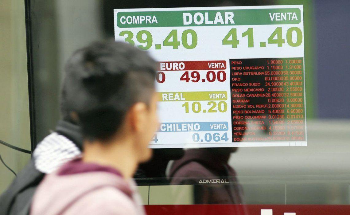 dEl trabajo compara las comisiones cobradas por los bancos en una selección de países latinoamericanos.
