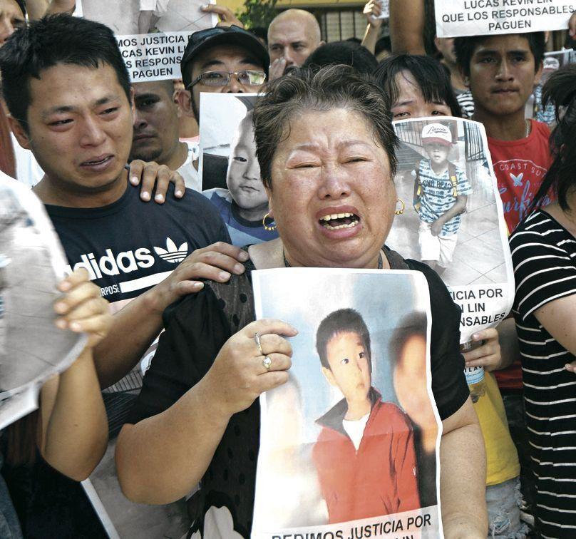 dSe realizaron marchas con familiares y amigos por la muerte de Lucas.