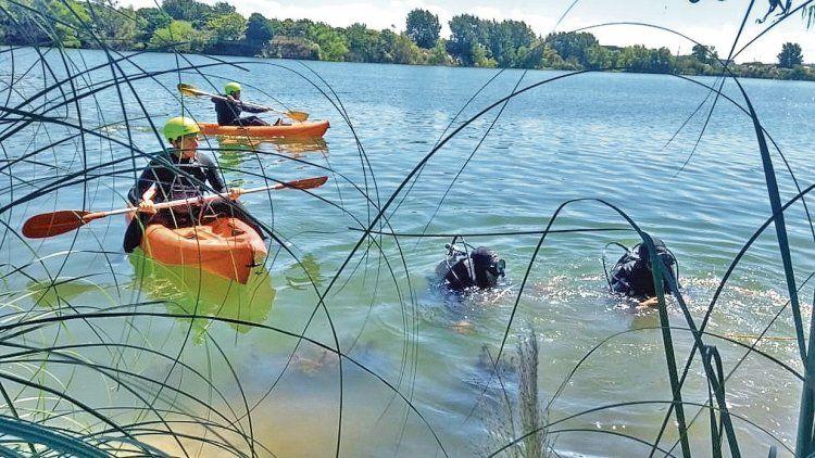 dEl cuerpo sin vida del joven fue rescatado por integrantes del cuerpo de Bomberos Voluntarios de Bernal.